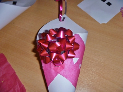 bows for confetti cone decorations