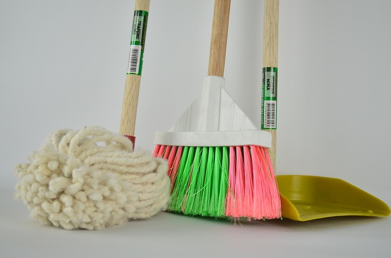 How to Hire a House Cleaning Service for this Upcoming Spring