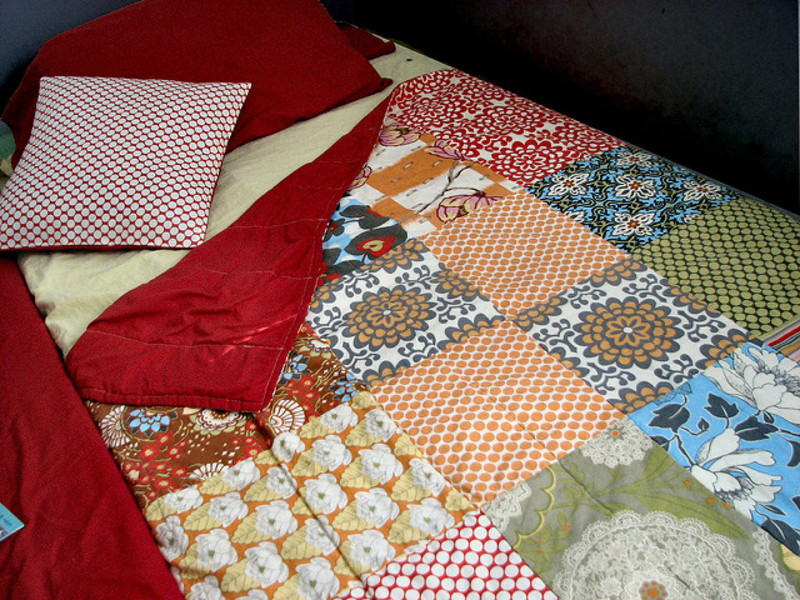 Easily Create a Vintage Sheet Quilt