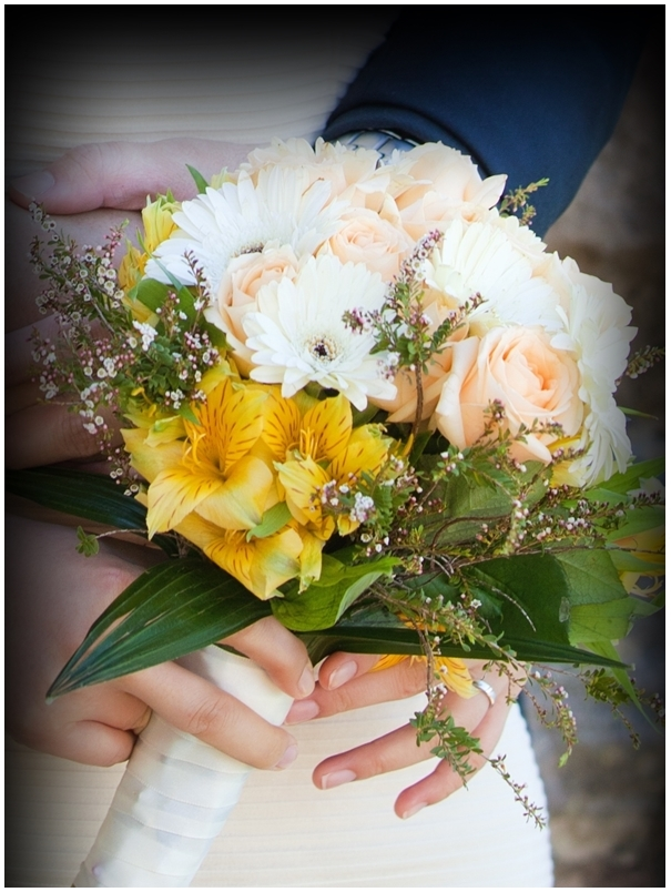 how to make hand tied posy bouquet howtoi