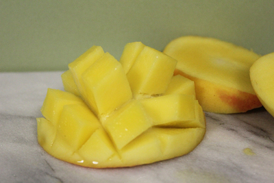 how to cut mango, summer fruits, mango fruit salad, diced mango, mangoes