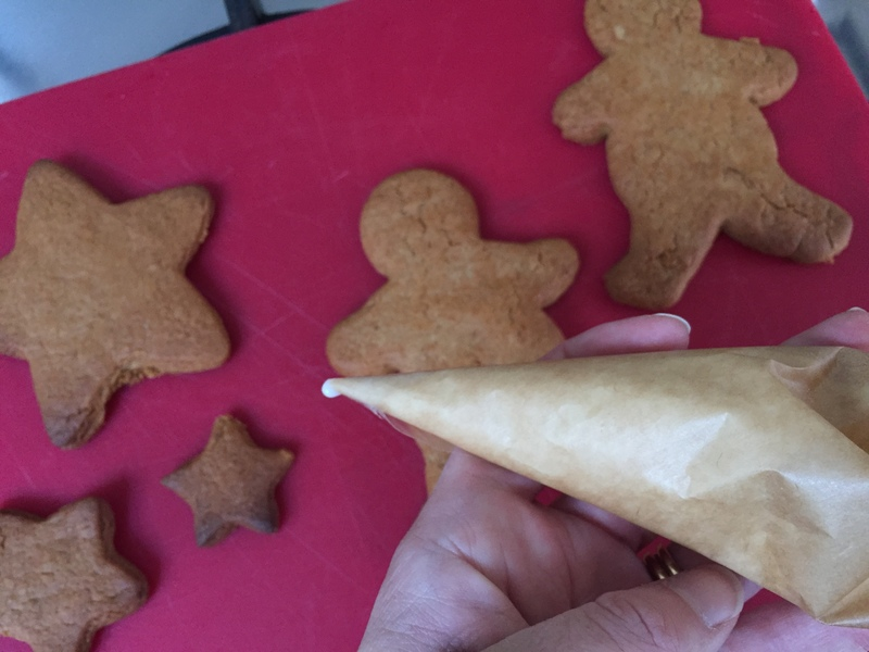 Piping bag, icing, gingerbread