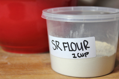 self raising flour, how to make self raising flour, plain flour, all purpose flour, baking, baking powder