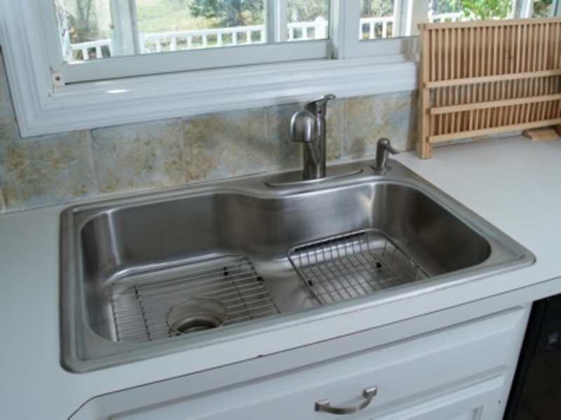 simple kitchen sink how to simple steps to replacing a kitchen sink howtoi 2239